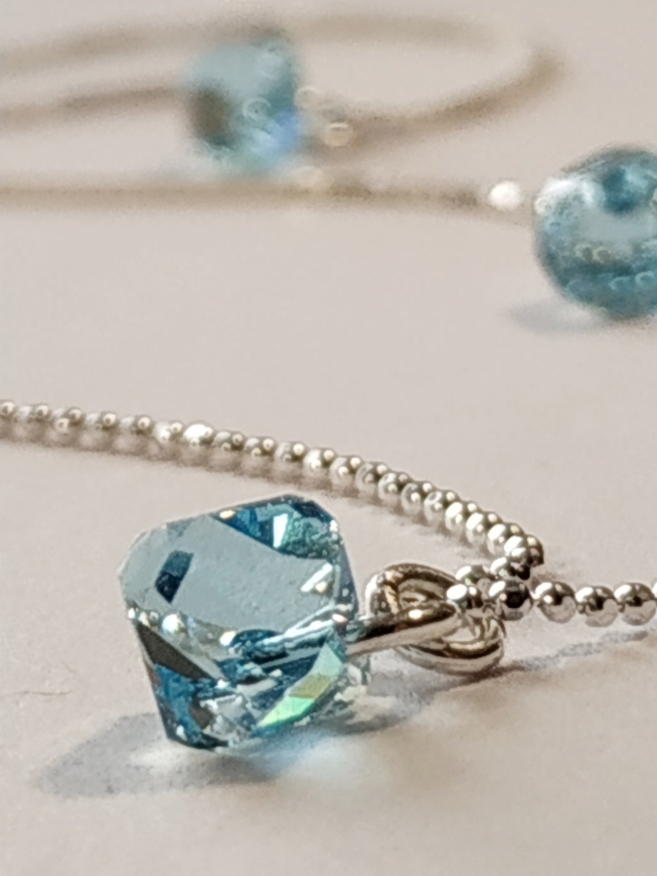 https://josefacreations.com/products/collier-chaine-argent-925-cristal-swarovski-aquamarine.jpg