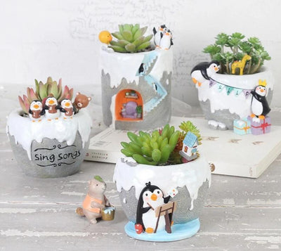 Cute Cartoon Antarctic Penguins Flower Pot