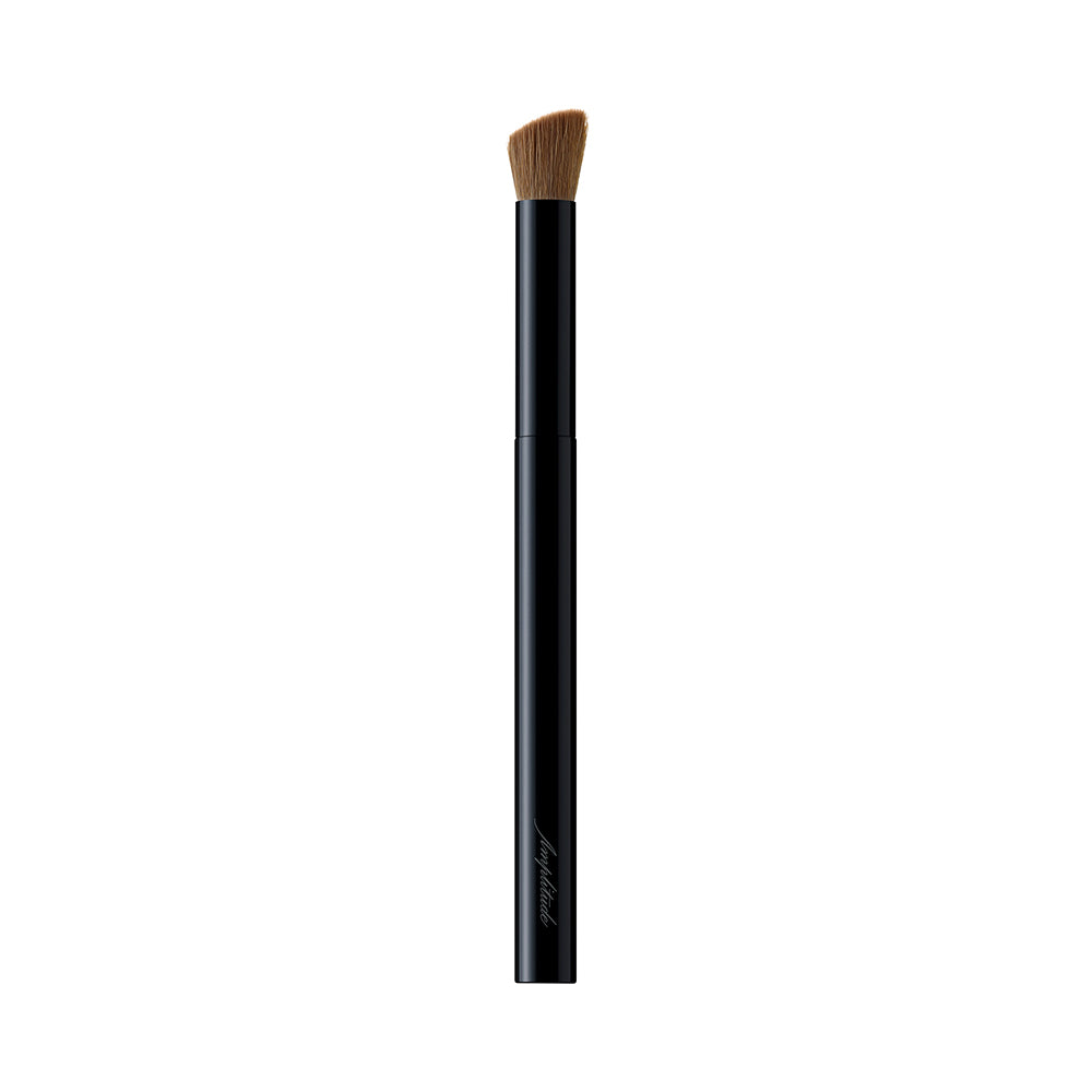 Amplitude Eyeshadow Brush Diagonal Line