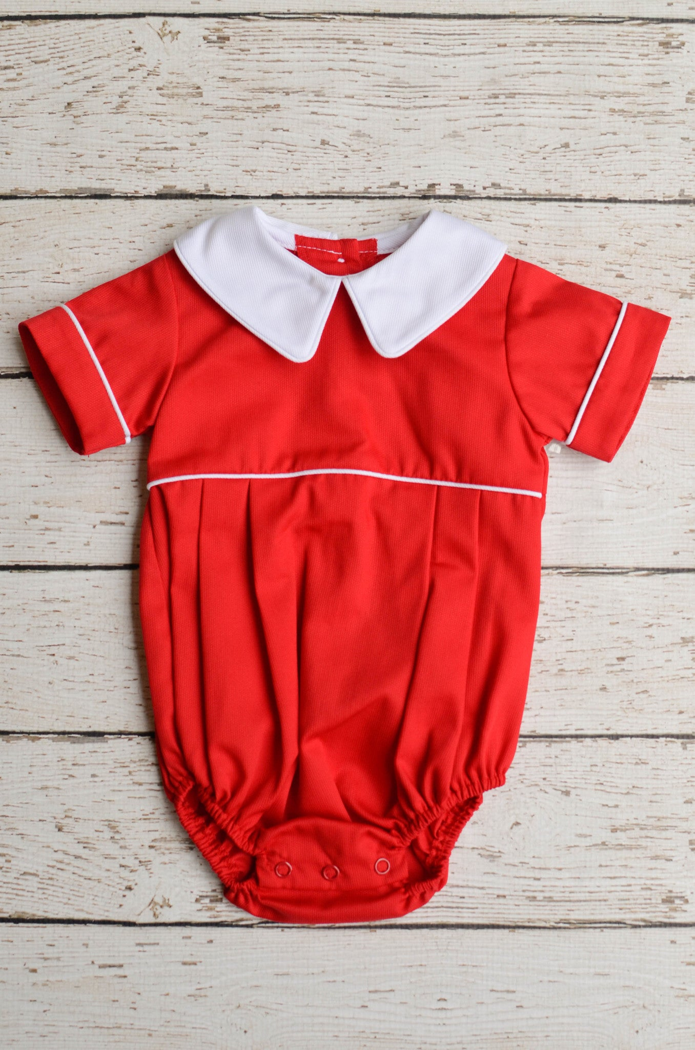 Basic Boy Peter Pan Pointed collar in Red