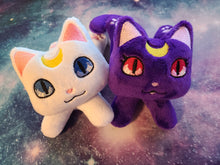 Load image into Gallery viewer, Set of 2 Luna & Artemis Handmade Kuttari Beanie Plush
