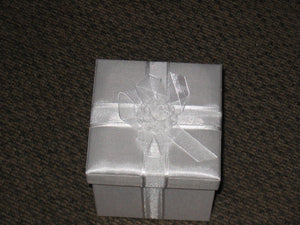 8 oz  Decorative 'White Wedding' Box