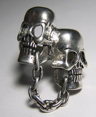 CHAINED TOGETHER SKULL HEADS BIKER RING (Sold by the piece)