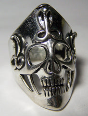 STRETCHED SKULL HEAD W COBRAS BIKER RING (Sold by the piece)