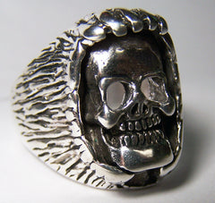 HAND OVER SMILING SKULL HEAD BIKER RING  (Sold by the piece) *