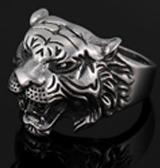 TIGER HEAD W STAR STAINLESS STEEL BIKER RING ( sold by the piece )