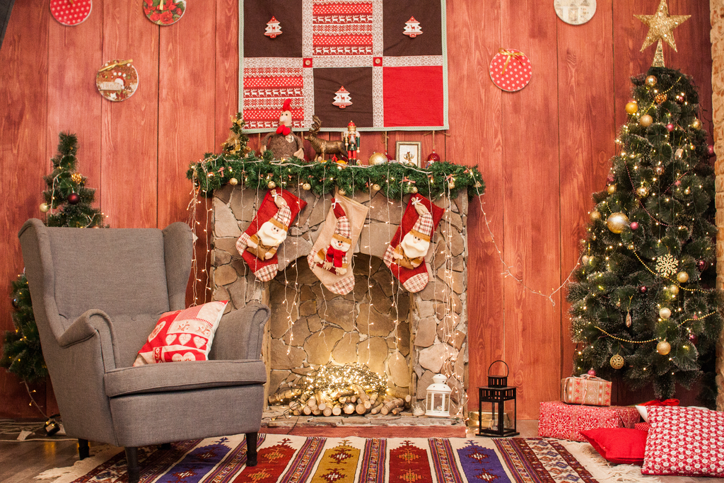 Red Christmas Living Room - Backdrop Shop