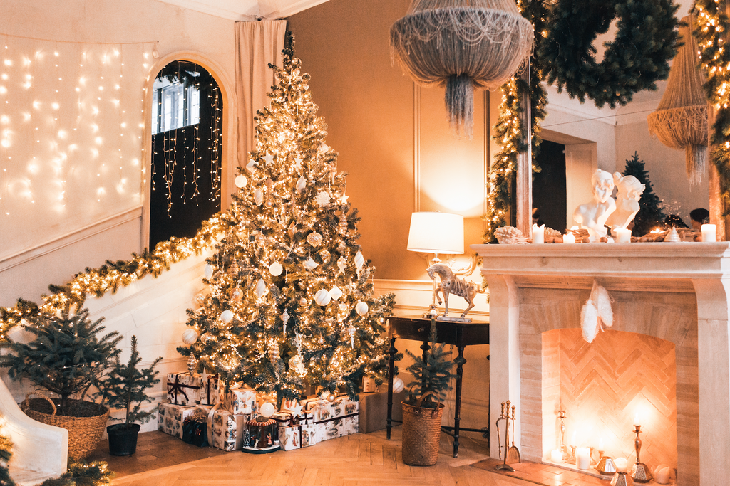 Luxurious Decorated Christmas Room - Backdrop Shop