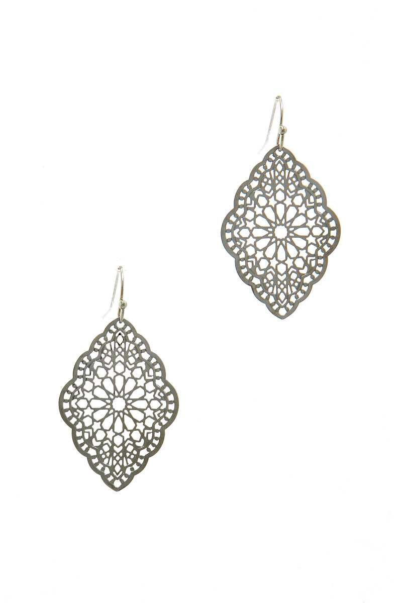 Stylish Filigree Chic Drop Earring