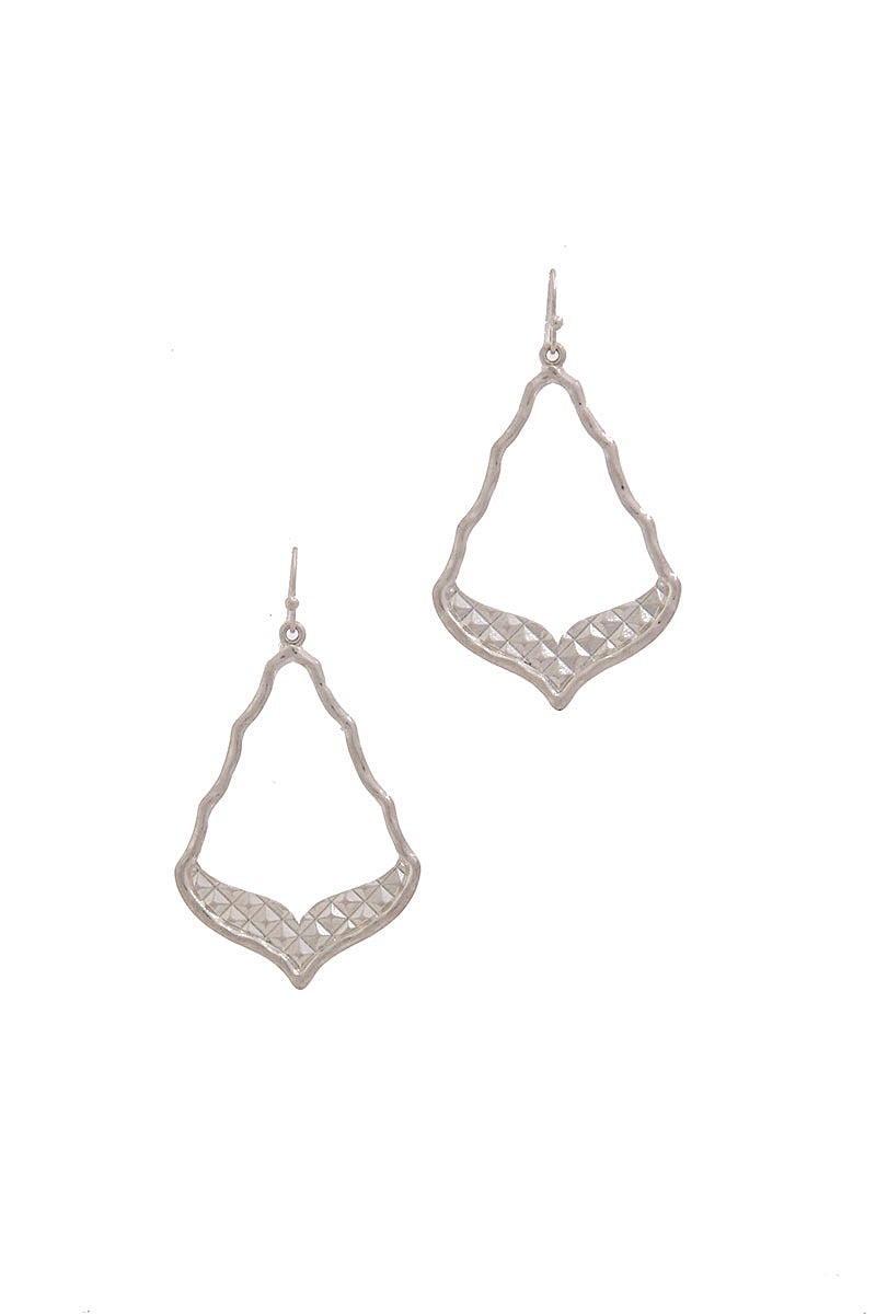 Cutout Moroccan Shaped Metal Drop Earring