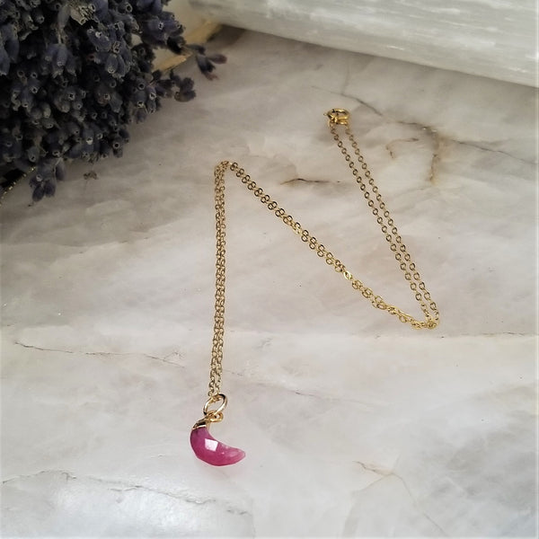 RUBY CRESCENT MOON NECKLACE - GOLD