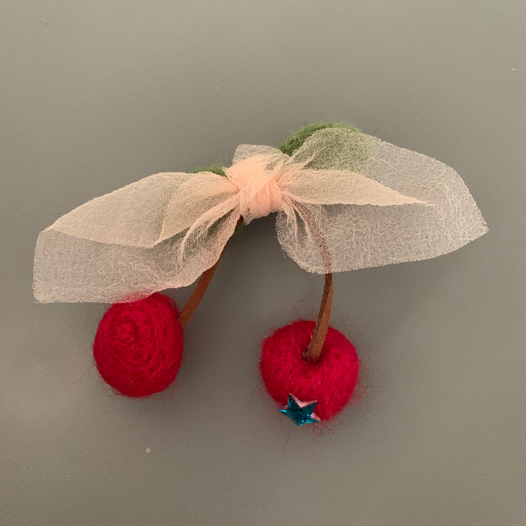 Knit pom pom hair slide (cherry)