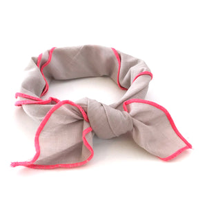 Scarf with neon piping (blush)