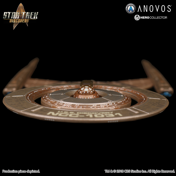 STAR TREK™: DISCOVERY U.S.S. Discovery NCC-1031 Collectible Ship Model (2018 Reservation)