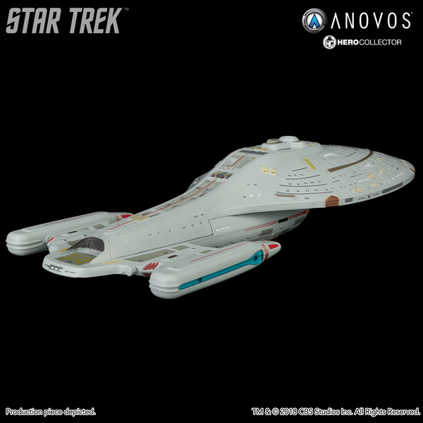 STAR TREK™: VOYAGER U.S.S. Voyager NCC-74656 Collectible XL Edition Ship Model