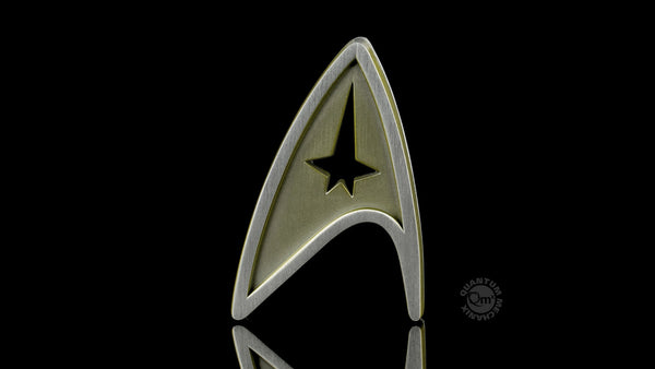 STAR TREK™: BEYOND Magnetic Insignia Badge - Command (2018 Reservation)
