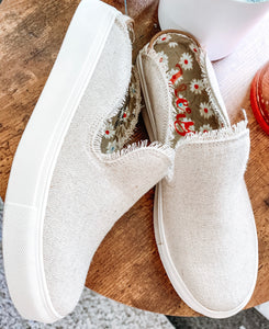 TRIANA- NATURAL SLIP ON SNEAKERS - VERY G