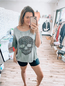 LEOPARD SKULL OVERSIZED TOP