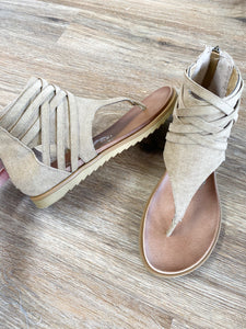THE DIXON SANDAL- VERY G