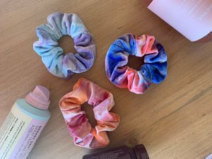 Hair X Play Tie dye velvet scrunchie