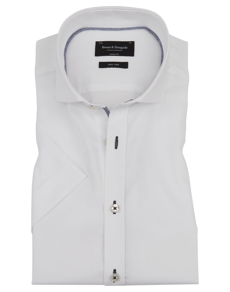 Modern Fit | Solid Short Sleeve Shirt- White