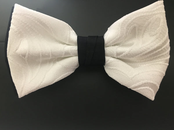 Shop Paisley Tone on Tone Bowtie at dolceMODA. Free shipping USA wide. Features a tone on tone design in off white.