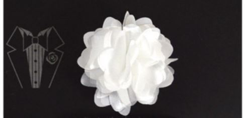 Piped Floral lapel Pin - White