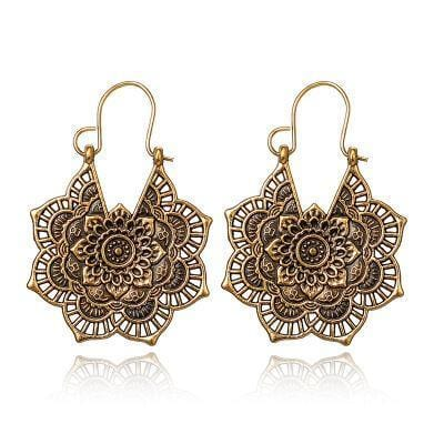 Openwork floral flower earrings