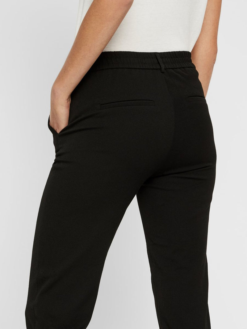 Maya Solid Pants In Black