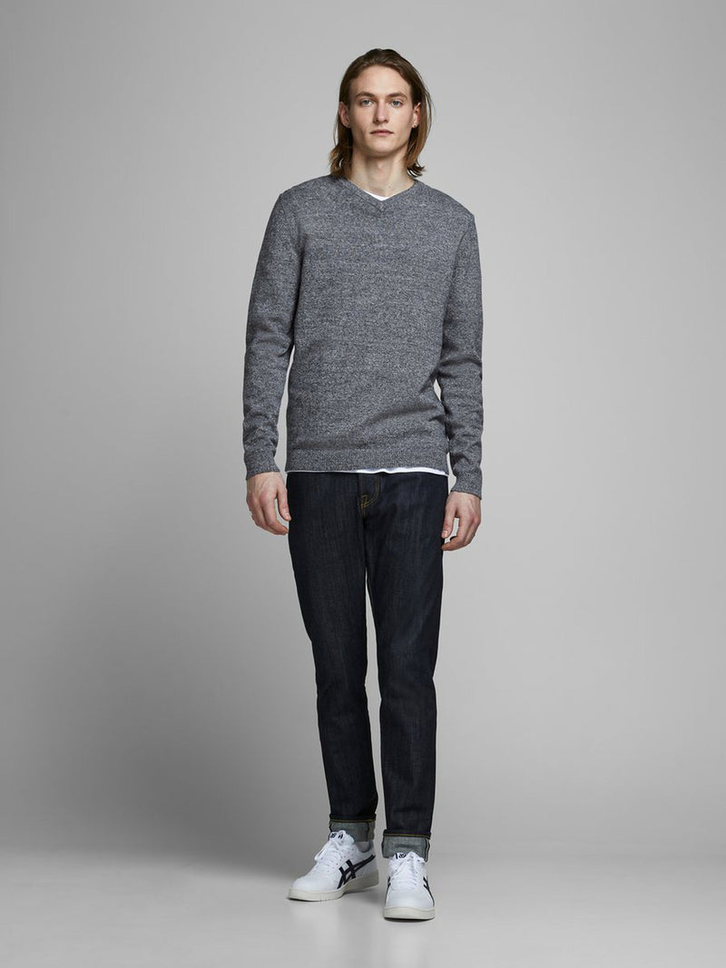 Niall Basic V-Neck Knit In Grey