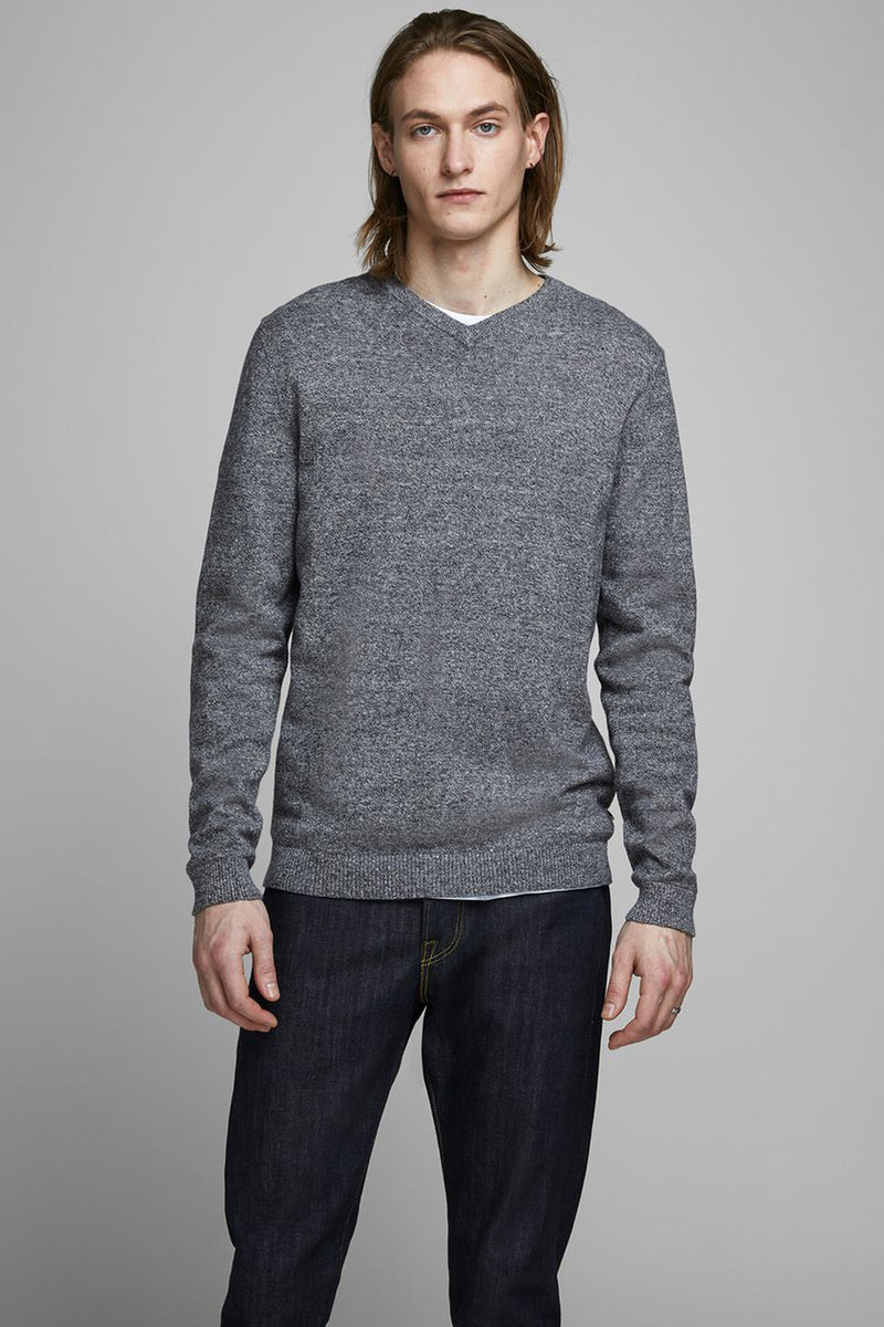 mens basic v-neck knit in grey