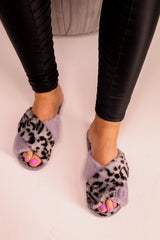 Leopard Print Fluffy Slippers in Grey