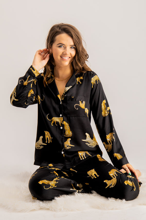 women's tiger printed pyjama set in black