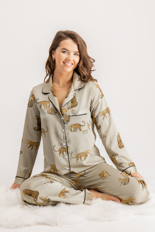 Jodie Tiger Printed Pyjama Set In Sage