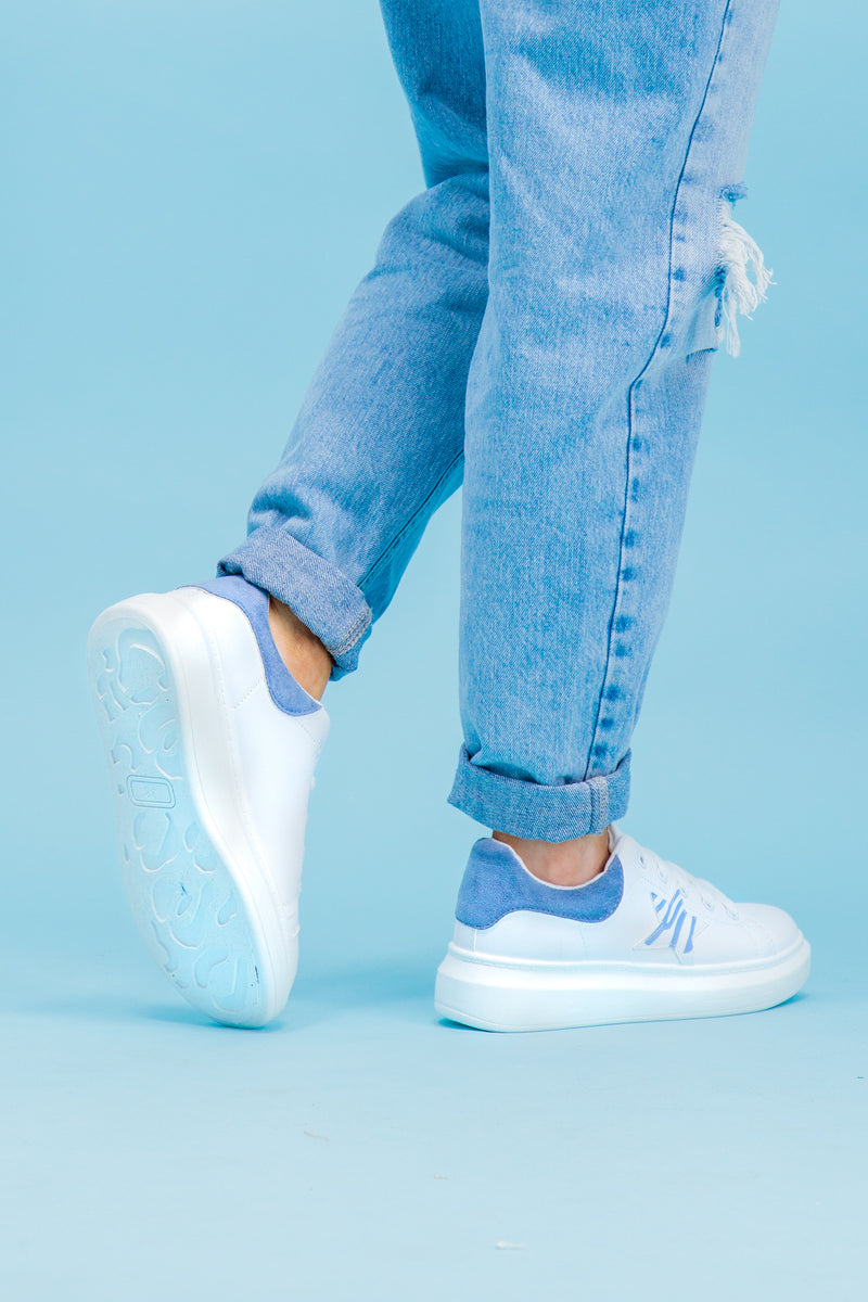 Eve Blue Printed Star White Trainers
