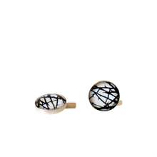 Load image into Gallery viewer, Thorns Cufflinks