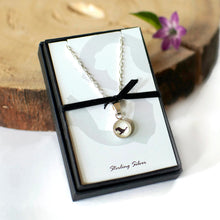Load image into Gallery viewer, Goose Necklace
