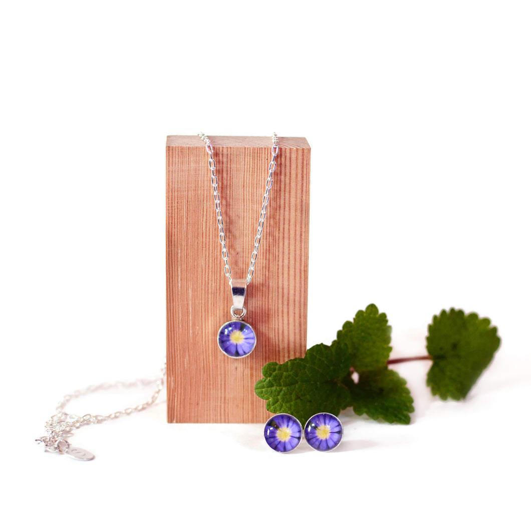 Anemone Necklace and Stud Earring Gift Set