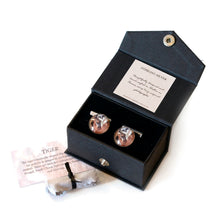 Load image into Gallery viewer, Gift boxed tiger cufflinks