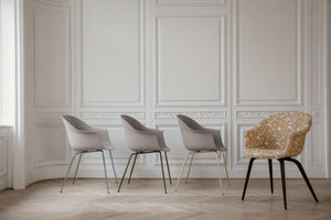 Gubi Bat Dining Chair eetkamerstoel new beige