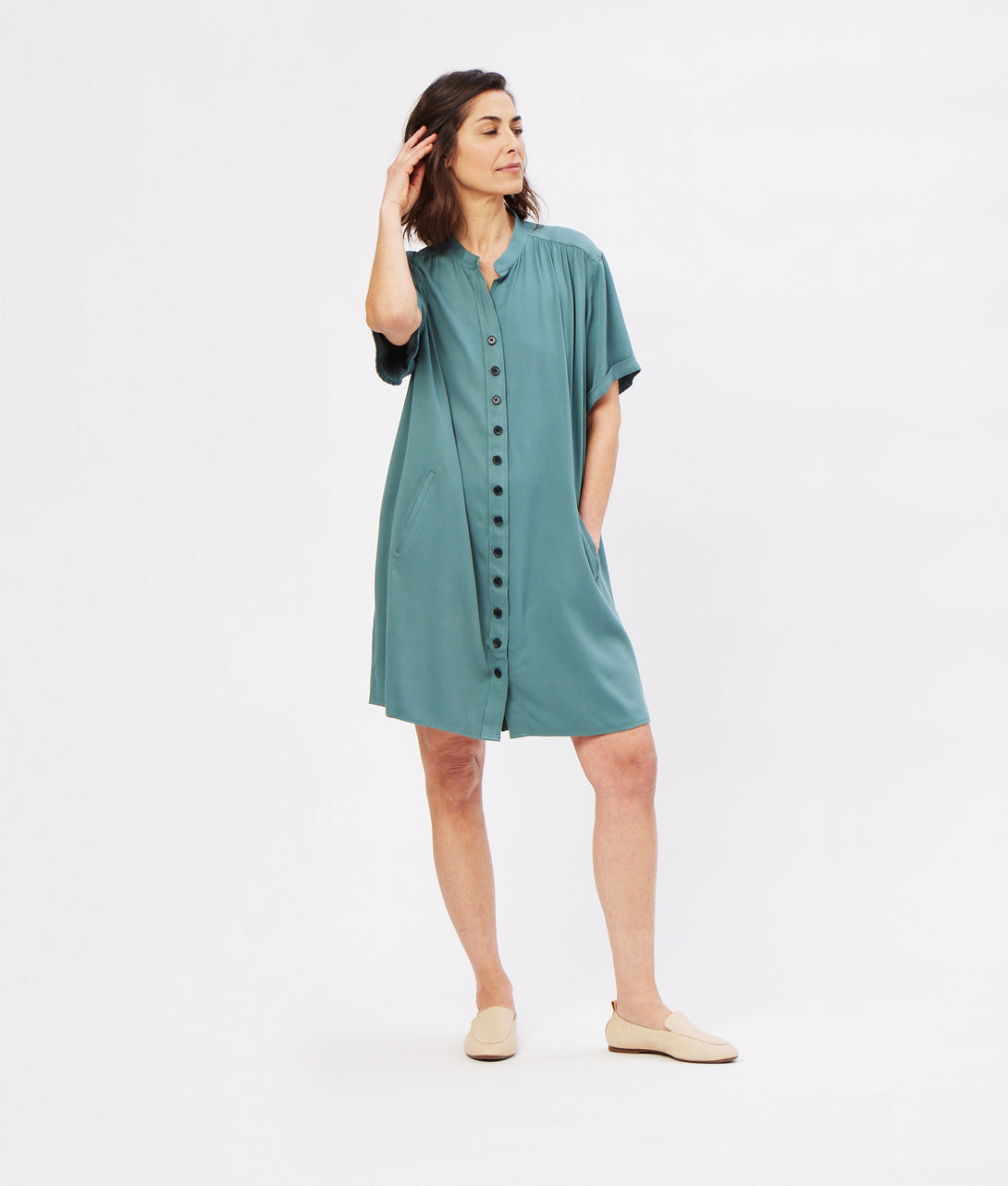 The Frieda Essential Day Dress in sliver pine