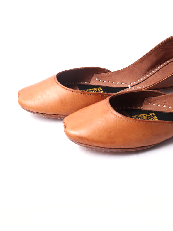 handmade tan leather khussa for girls