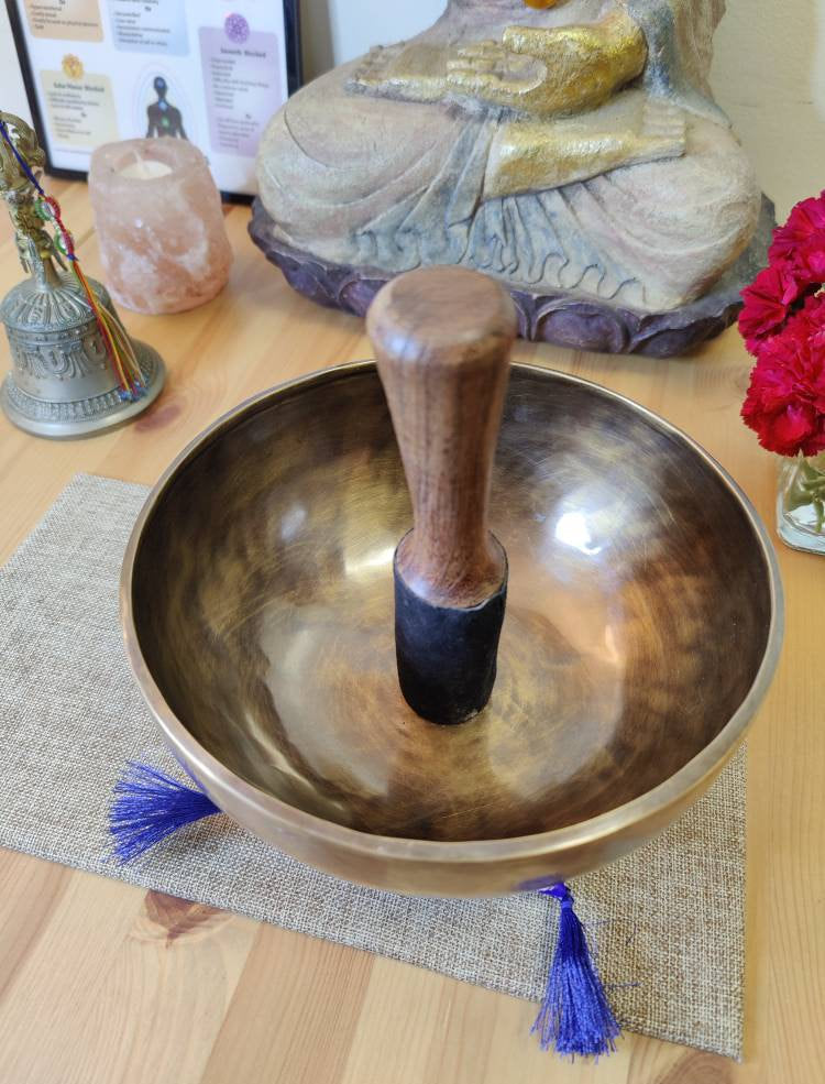 "Tibetan Singing bowl Set, Note E/G for Sound Healing and Meditation in 8"" wide with a mallet & cushion."