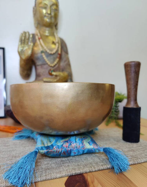 "Tibetan Singing bowl Set, Note F for Sound Healing and Meditation in 8"" wide with a mallet & cushion."