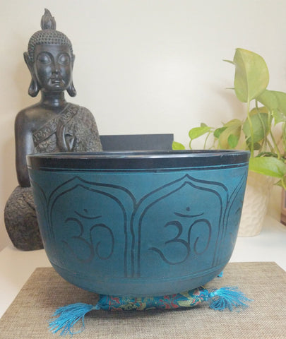Tibetan singing bowl in Note C, 10 inches on 6 inches hight from Aluminum with Om and Ganesh design in green/blue.