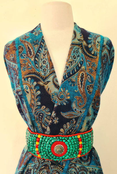Yak Wool Shawl, Chunky Scarf, Throw Blanket, Paisley & Floral prints reversible handloom Soft Wool Shawl, Soft oversized outfit.