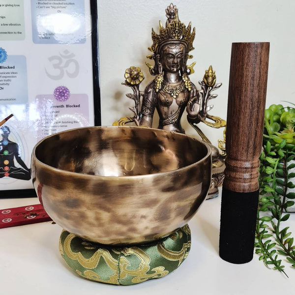 Singing bowls set with Mallet & Cushion. Handmade 7 metal Meditation bowls, Sound bowls in 3 sizes or a whole Chakra bowls set.