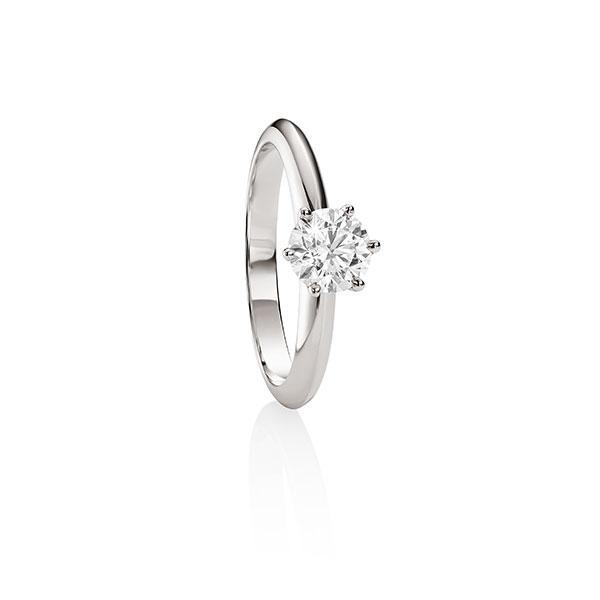 MP5597 18ct white gold 6 claw 0.73ct diamond solitaire ring.