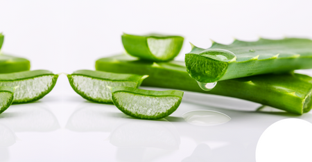 9 Aloe Vera Benefits for Face and Skin!