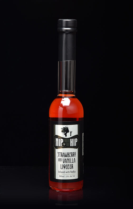 Strawberry & Vanilla Liqueur - Infused with Vodka Medium 200ml